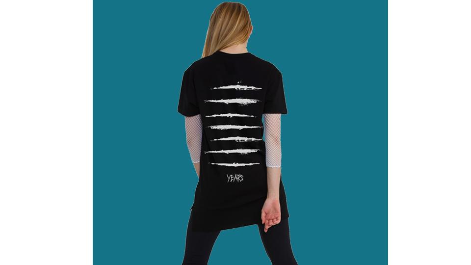 Black T-shirt «7 YEARS»